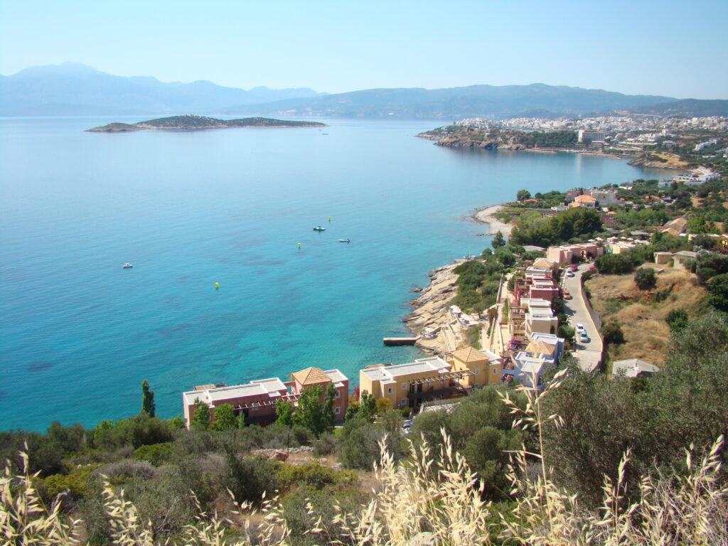 Widok na zatokę i miasto Agios Nikolaos