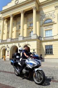 motocyklistka_policjantka