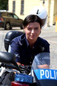 motocyklistka_w_mundurze
